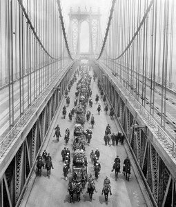 1914-Manhattan-Bridge-Funeral-Procession